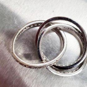 亀裂の入ったリング